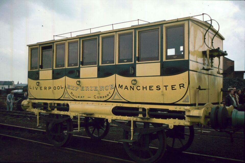 ウルフステッド城の客車のモデル車