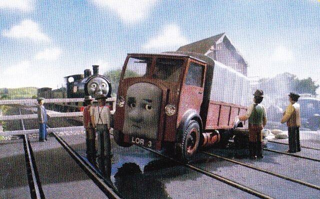 TV版第5シーズンのローリー3が故障した踏切
