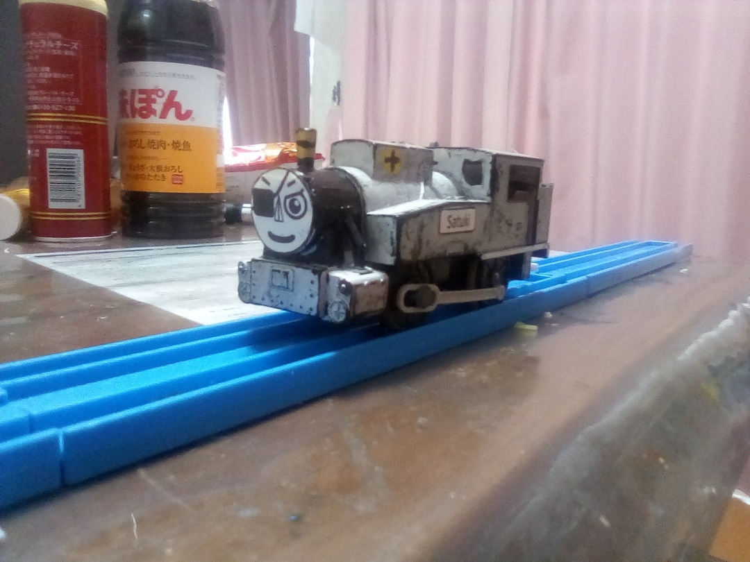 長編第1作のB20形蒸気機関車1号機(銀色の車体)