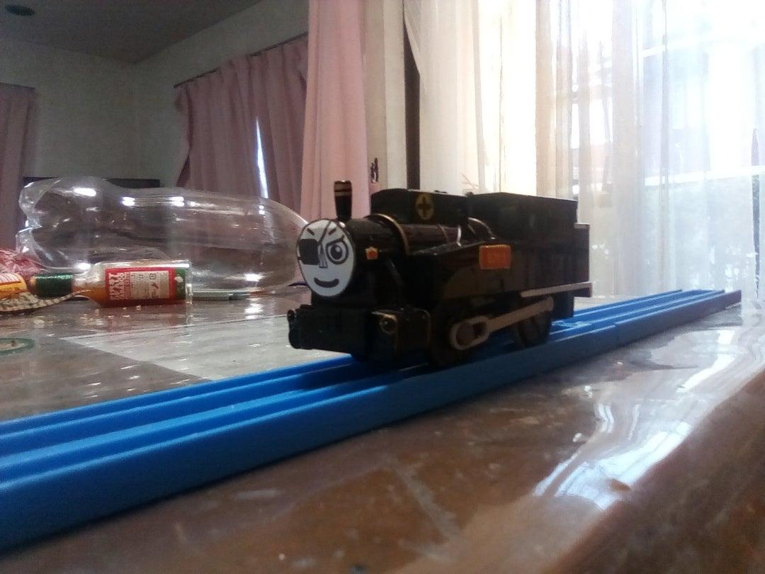 長編第2作のB20形蒸気機関車1号機(黒の車体)