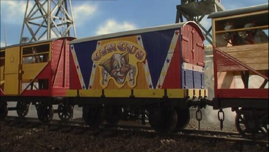 TV版第8シーズンのサーカスのコンテナ載せ1型無蓋貨車