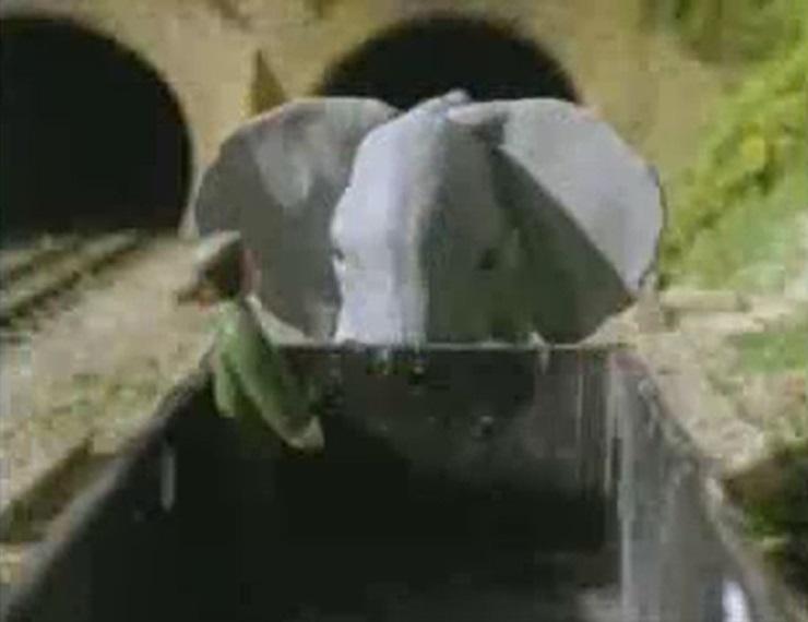 TV版第4シーズンのサーカスの象
