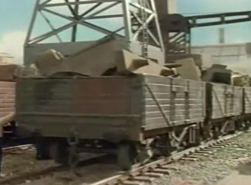 TV版第3シーズンのスクラップ運搬貨車