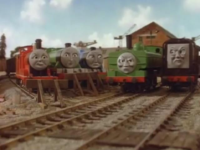 ヘンリーとゴードンと共にダックとディーゼルの話を聞いているジェームス