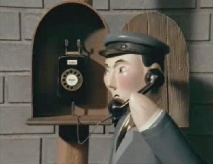 電話をかけているダンカンの機関士