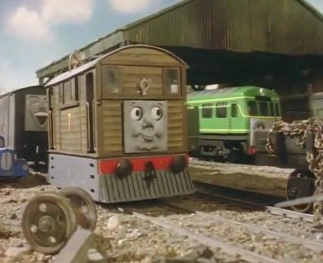 客車庫でL&BRの有蓋貨車とトビー共に居るデイジー