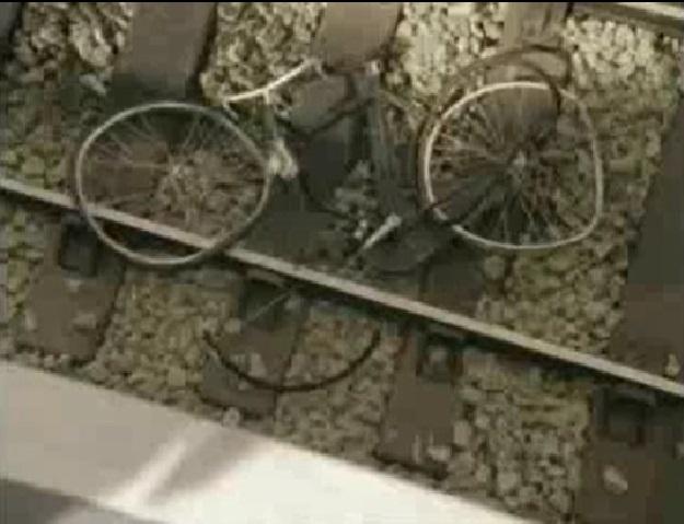 TV版第4シーズンで壊されたトム・ティッパーの自転車