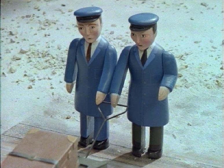 TV版第3シーズンのナップフォード・ハーバー駅のポーター