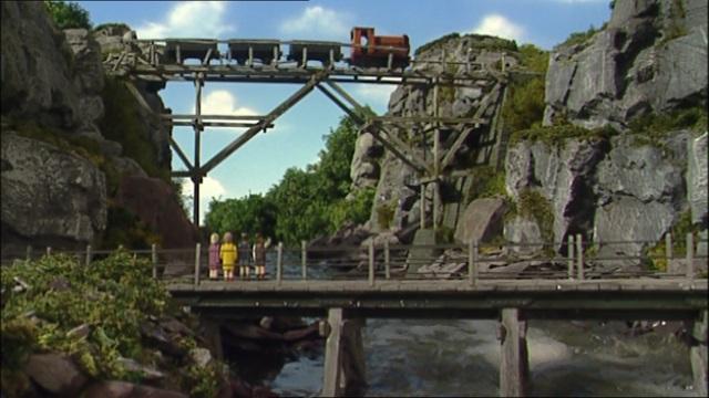 TV版第10シーズンの古い木製の橋