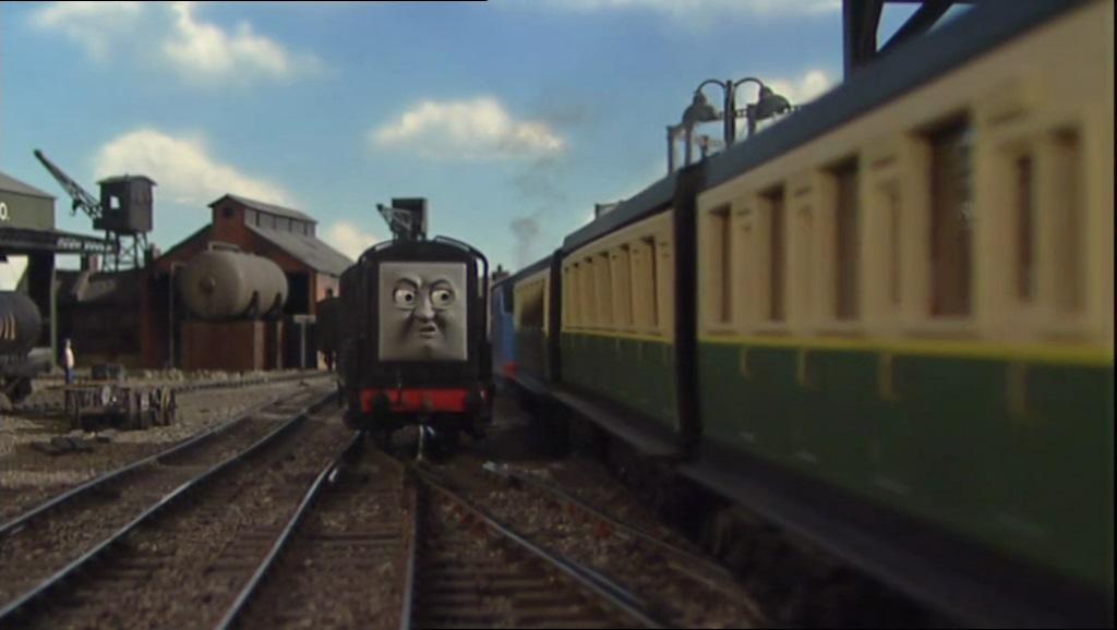 TV版第8シーズンの急行客車(緑)9