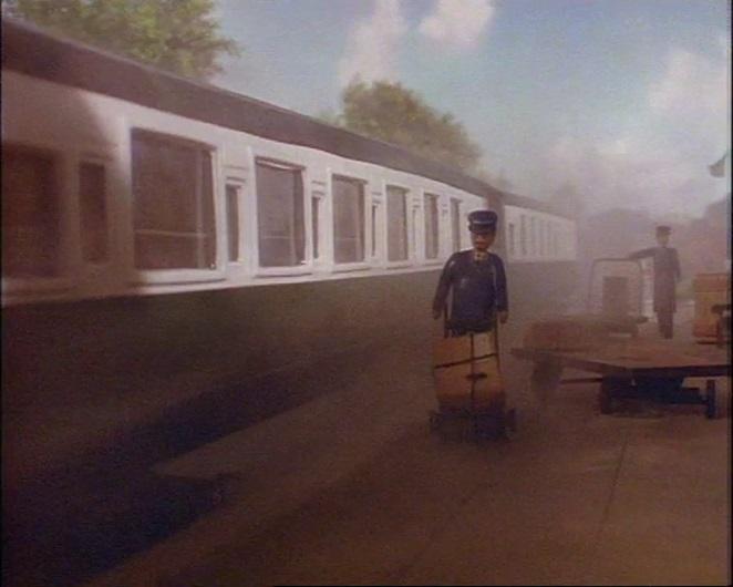 TV版第2シーズンの急行客車(緑)2