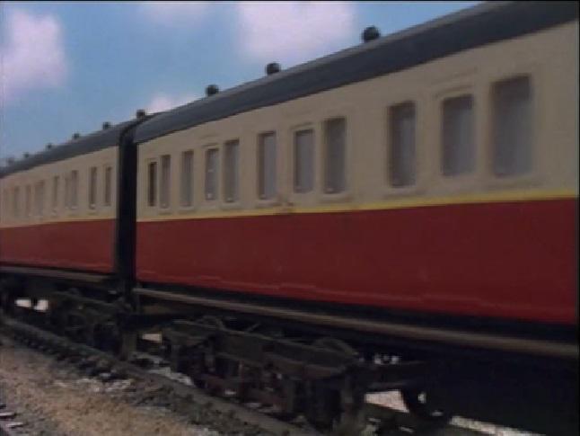 TV版第3シーズンの急行客車(赤)5