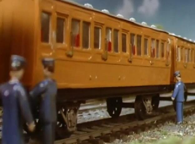 TV版第2シーズンの狐色の支線客車