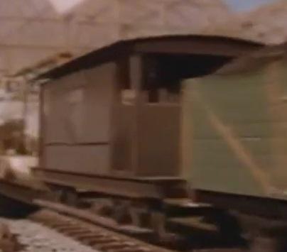 TV版第2シーズンの灰色のイギリス国鉄の20トンブレーキ車12