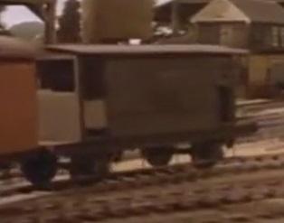 TV版第2シーズンの灰色のイギリス国鉄の20トンブレーキ車10