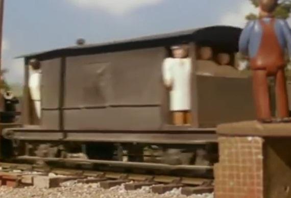 第4シーズンでクリケット選手が乗った灰色のイギリス国鉄の20トンブレーキ車2