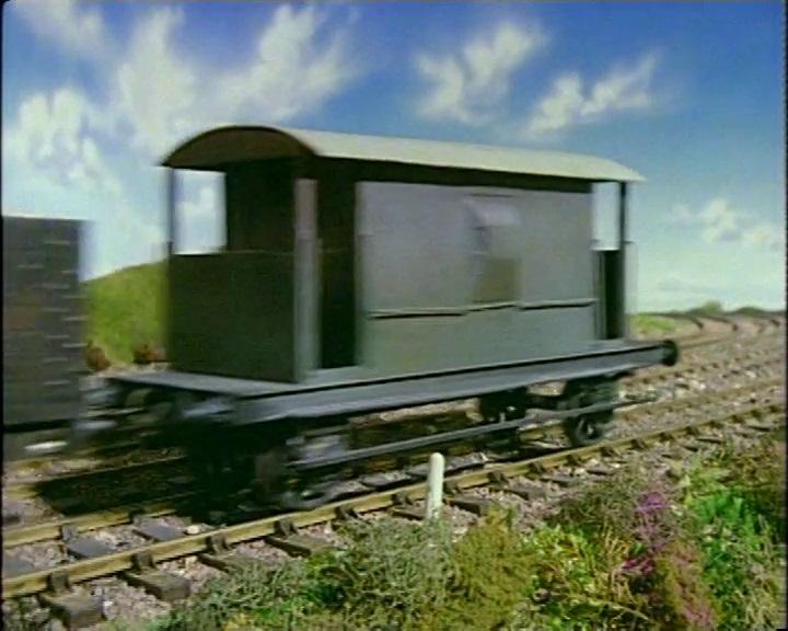 TV版第1シーズンの灰色のイギリス国鉄の20トンブレーキ車7