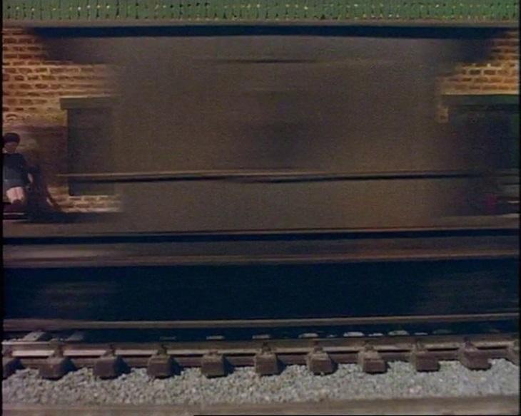 TV版第2シーズンの灰色のイギリス国鉄の20トンブレーキ車20