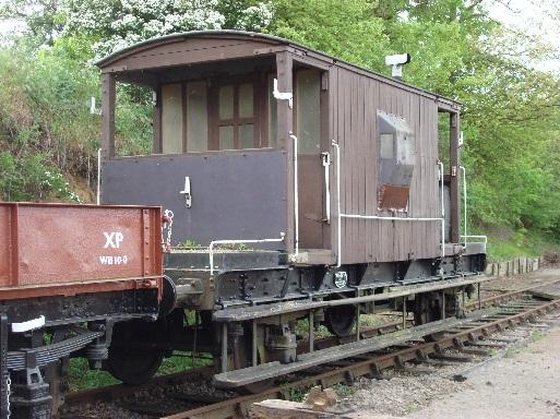 灰色のイギリス国鉄の20トンブレーキ車のモデル車