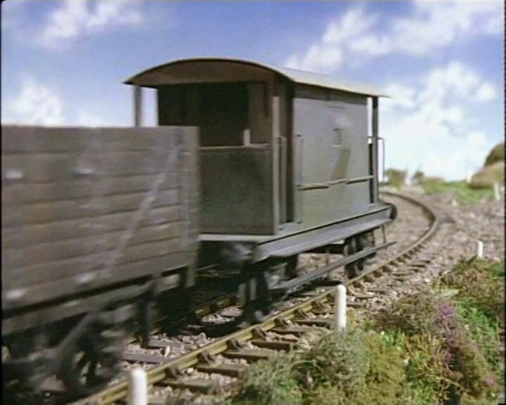 TV版第1シーズンの灰色のイギリス国鉄の20トンブレーキ車12