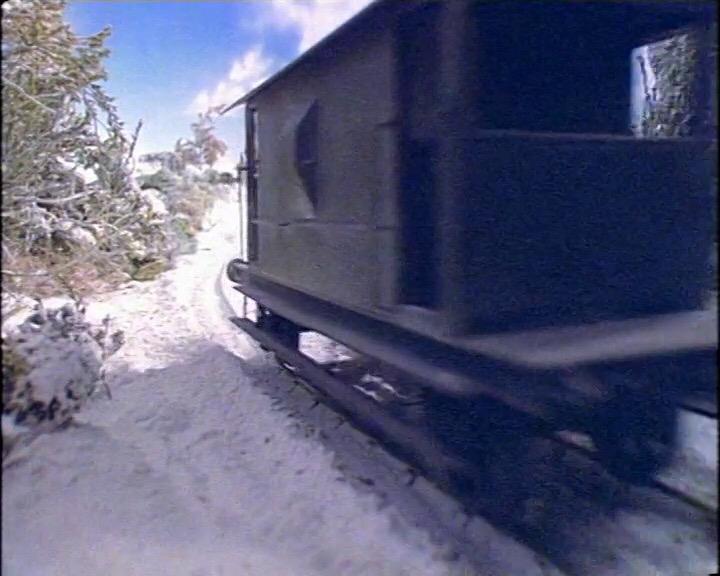 TV版第1シーズンの灰色のイギリス国鉄の20トンブレーキ車14