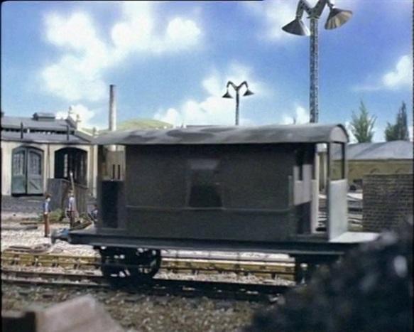 TV版第1シーズンの灰色のイギリス国鉄の20トンブレーキ車