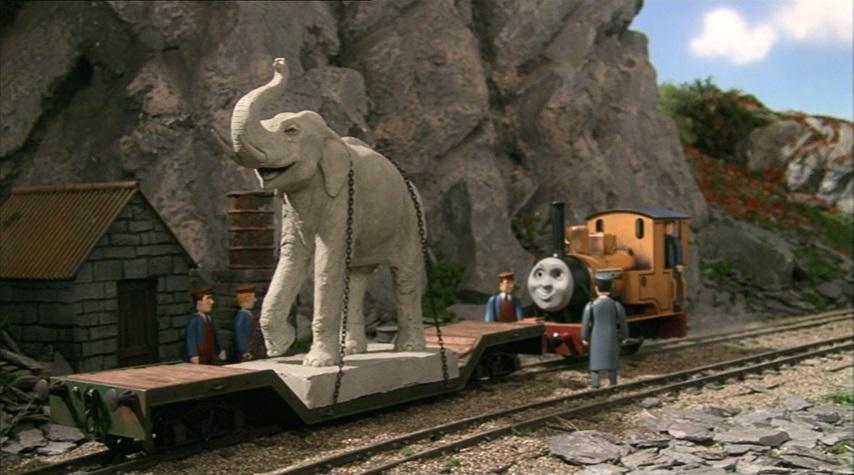 TV版第7シーズンの象の彫刻
