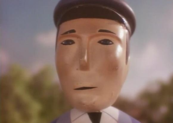 第2シーズンのエルスブリッジ駅の駅員
