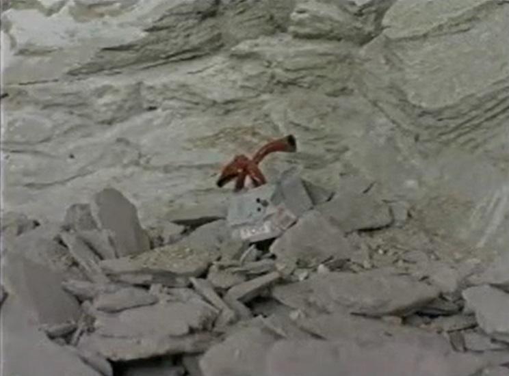 崖崩れで潰れた鉄道用フォッグホーン