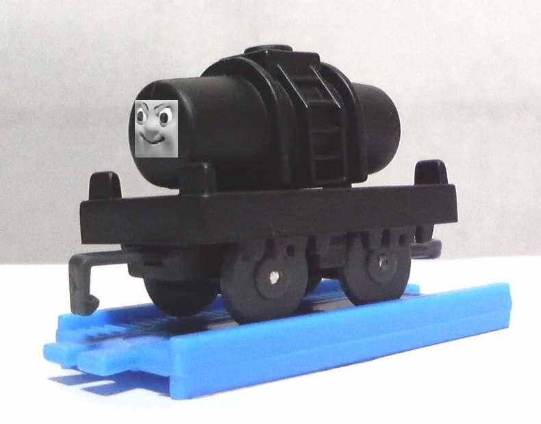 カプセルプラレールの顔付きタンク車(カスタム化)