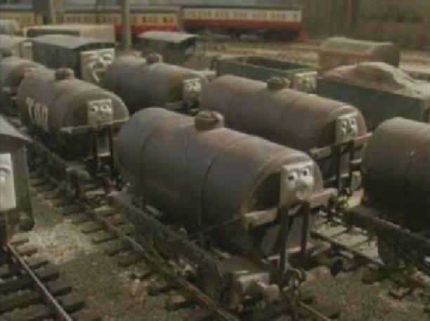 TV版第4シーズンの顔つきタンク車