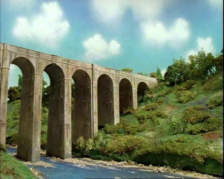 TV版第3シーズンの高架橋