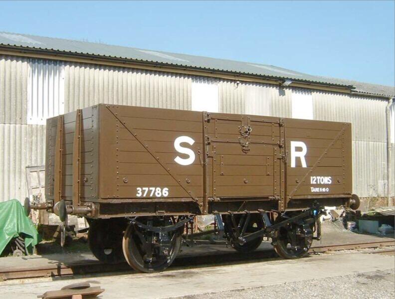 8型無蓋貨車のモデル車