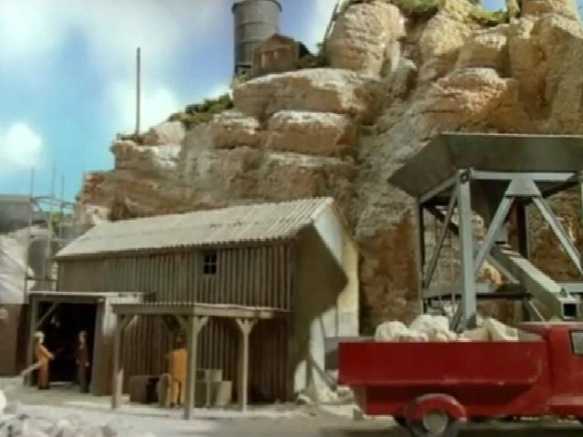 TV版第3シーズンの赤いボンネットトラック