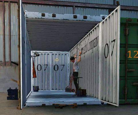 UKRAINIAN_PRISONER_HEIST_Container.jpg