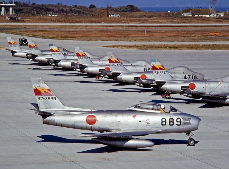 4d353b221a3940903dec69f4a6e33e93--airplanes-space-travel.jpg