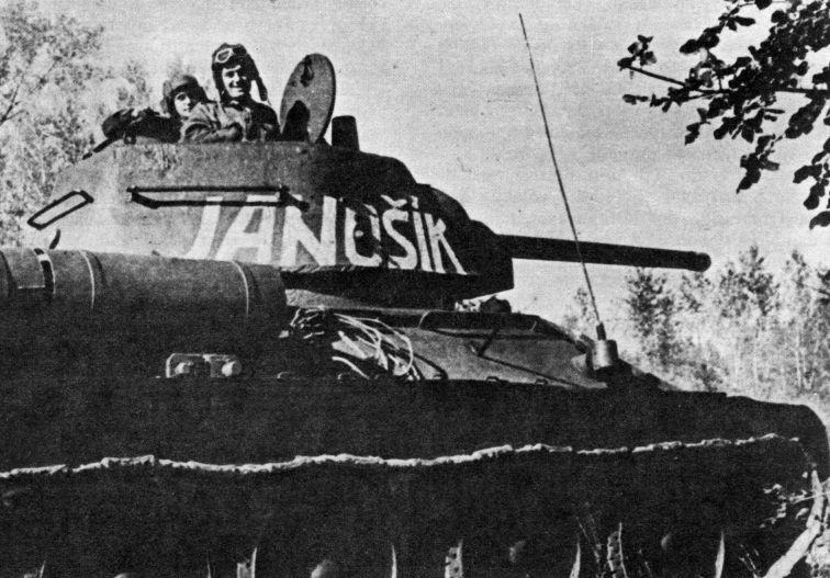t-34_mod1942_janosik.jpg
