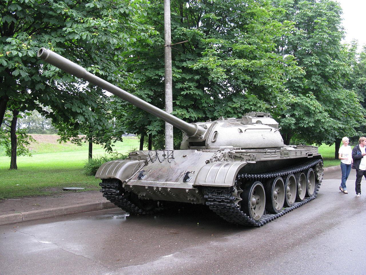 1280px-6765_-_Moscow_-_Poklonnaya_Hill_-_Tank.JPG