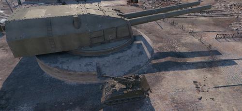 側面。手前はアメリカTier8自走砲M40/M43