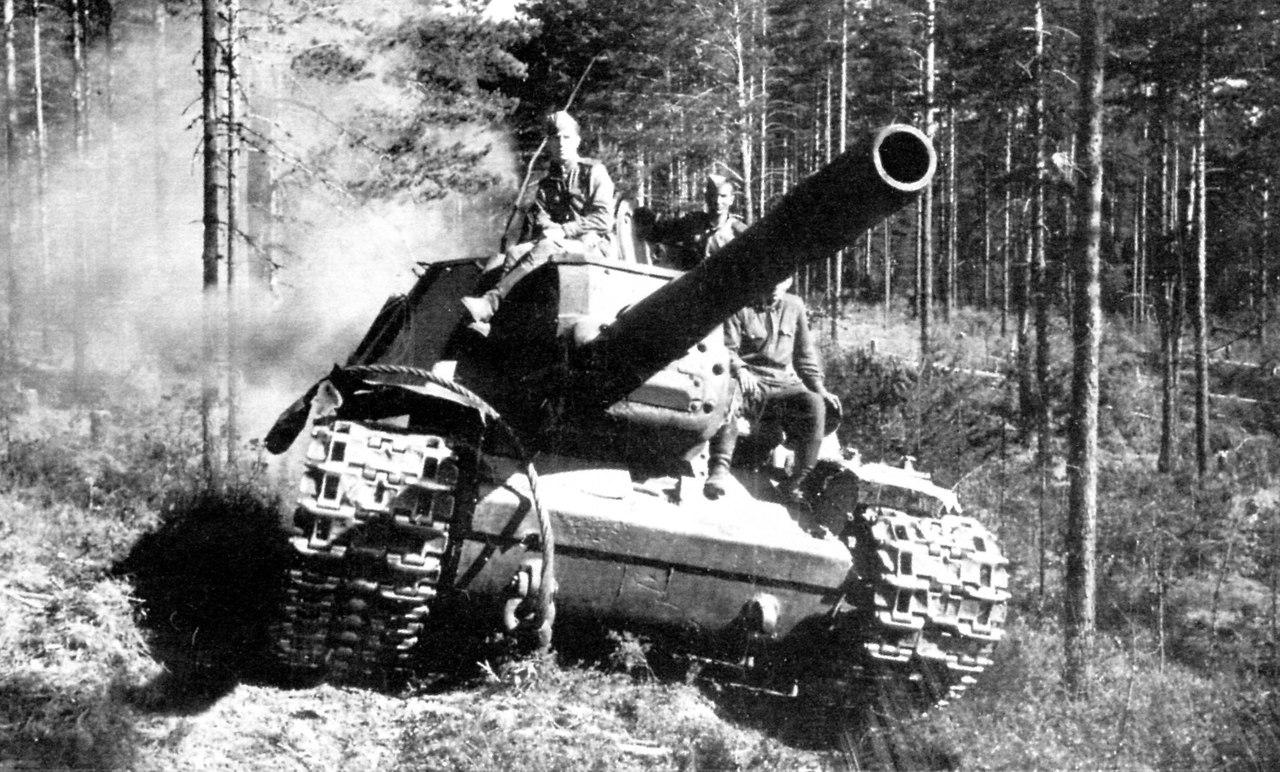 SU-152_history2.jpg