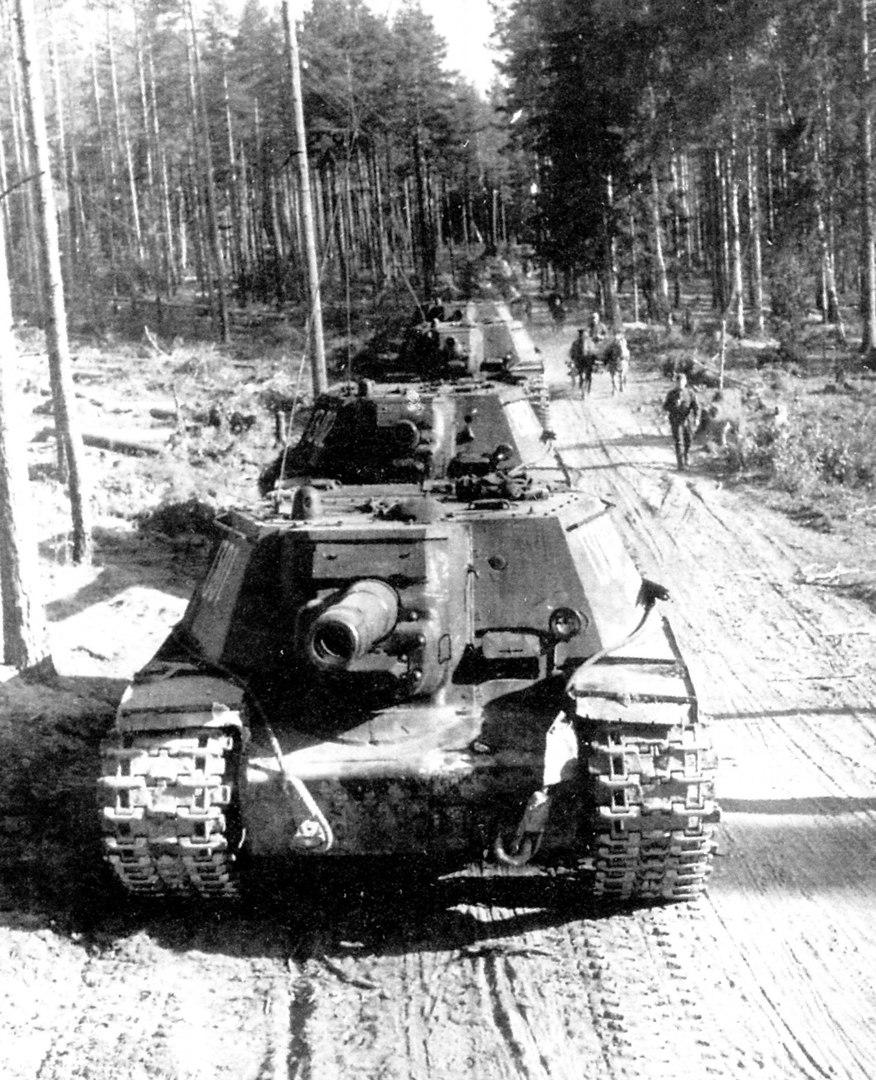 SU-152_history3.jpg