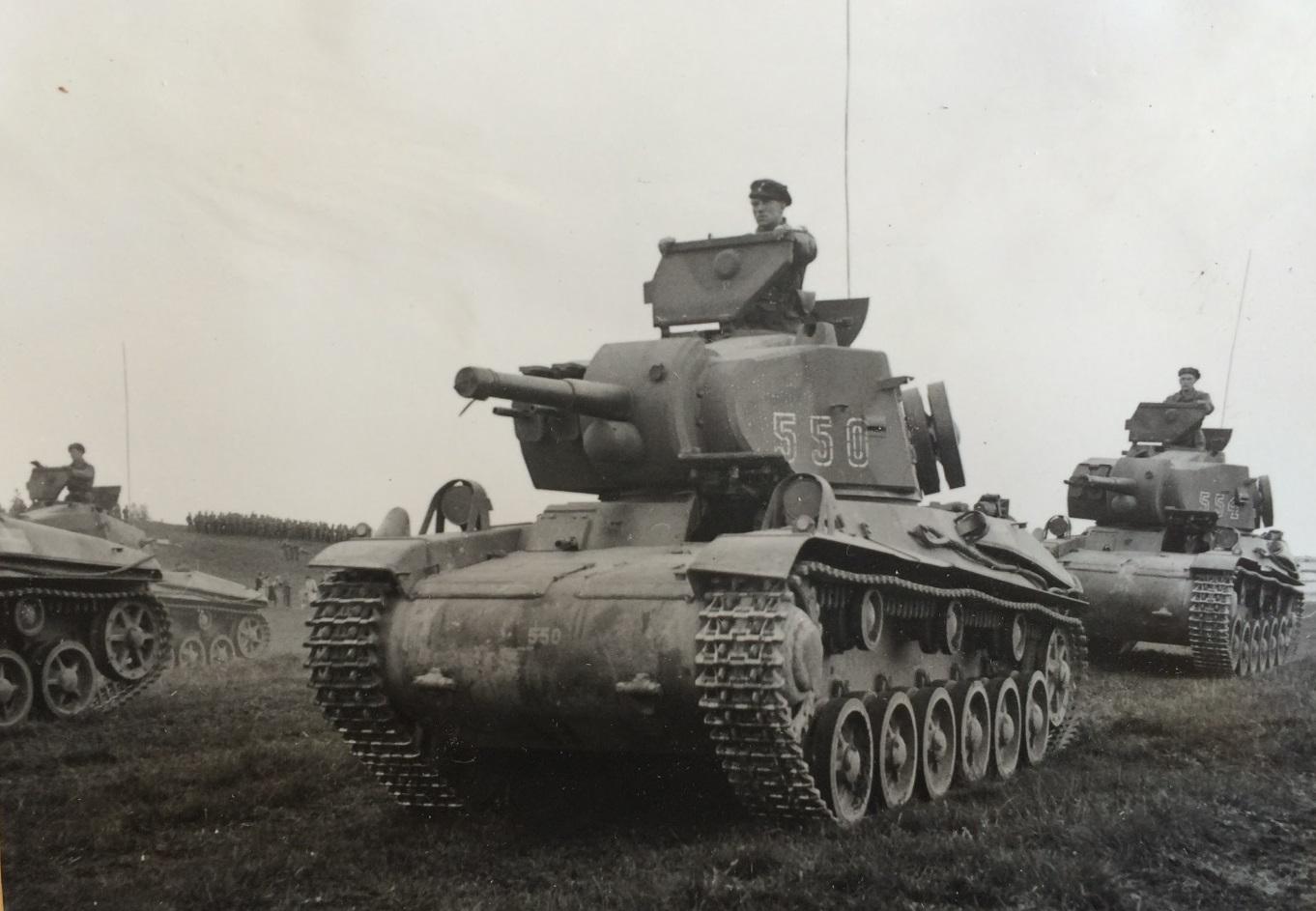 Strv_m42_history.jpg