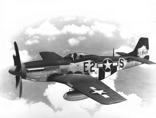 375th_Fighter_Squadron_North_American_P-51D-5-NA_Mustang_44-13926.jpg